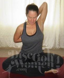 yoga for disc golf shoulder stretches  discgolf4women